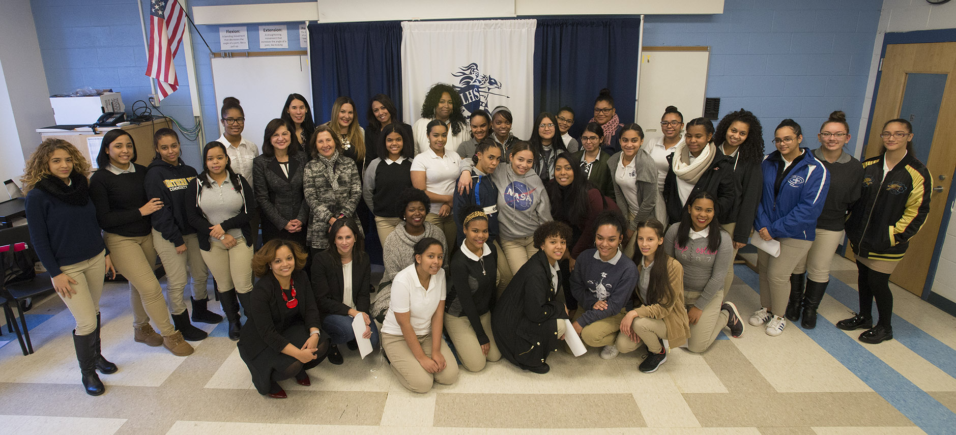Group photo of students and leaders in Estrella Program